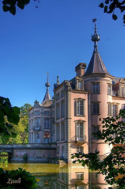 Poeke桃红色城堡 - 比利时佛兰德斯