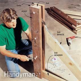 消除陡峭,难以割草的斜坡,阻止侵蚀,并创建具有易于组装的木质挡土墙的有吸引力的种植床。它使用轻量级
