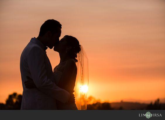 请务必关注我们的Facebook页面以获取更新和最新的LJP!婚礼供应商:摄影师:Lin和Jirsa摄影http://linandjirsa.com婚礼和接待地点:Royal Vista高尔夫球场20055 E. Colima Rd。,Walnut,CA 91789(909)595-7441如果您有兴趣预订Lin