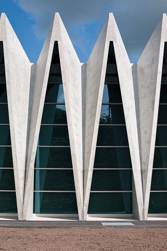 体育馆重复在模式和形状