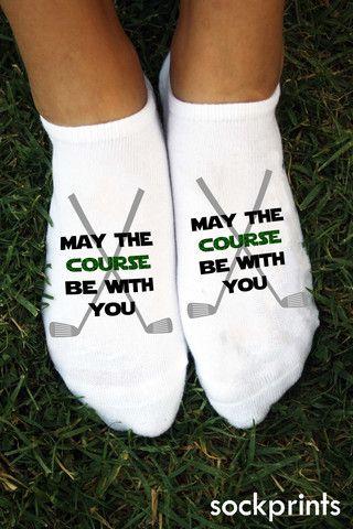 愿课程永远和你在一起!在打高尔夫球时穿上这双袜子,以保持The Force在所有18个洞上的强劲流动。星球大战粉丝和狂热高尔夫球手的完美礼物。这对袜子由一对销售,我们在订购12对相同设计时提供批量折扣。保存更多数量或