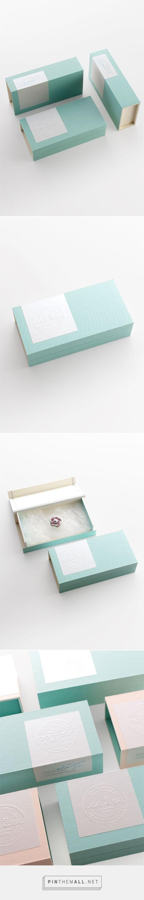 miu via Grand Deluxe【Ehime Matsuyama / Design】由Packaging Diva PD策划。可爱的珠宝包装。