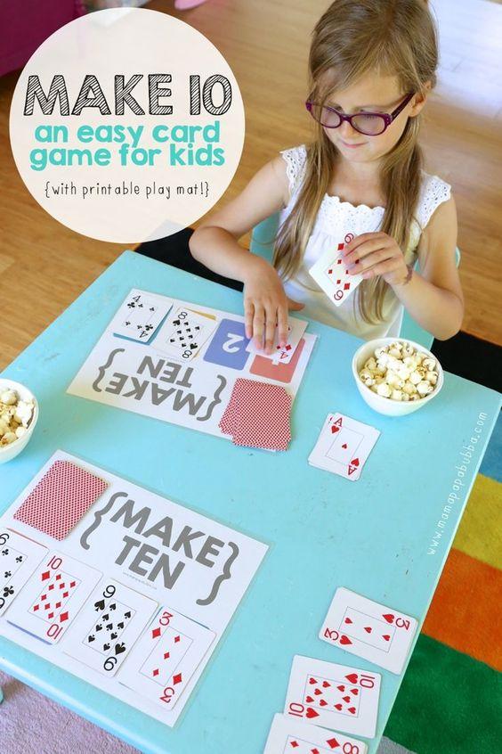 Make Ten ...一款有趣且简单的纸牌游戏,可以增强数学概念并使用普通的扑克牌。包括免费可打印的游戏垫!