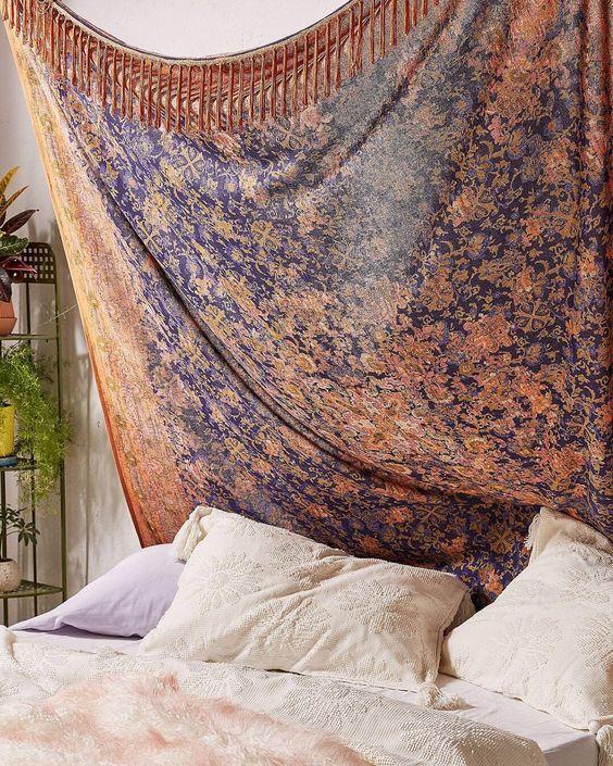 今天在Urban Outfitters购物佩特拉民俗边缘挂毯。我们为您提供所有最新的款式,颜色和品牌,从这里选择。