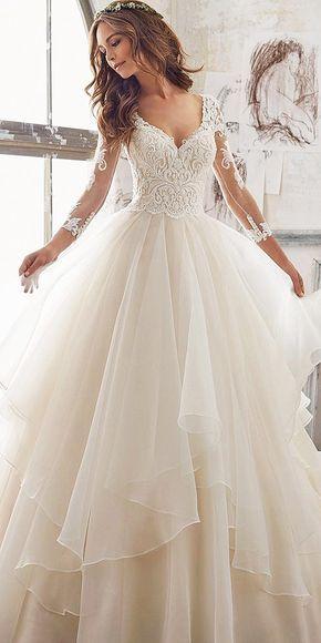 来自顶级婚礼设计师的系列❤查看更多:http://www.weddingforward.com/wedding-dress-designers/ #weddings