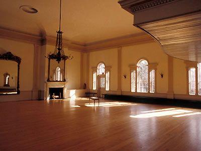 汉密尔顿大厅,塞勒姆和其他历史悠久,美丽的马萨诸塞州婚礼场地马萨诸塞州婚礼接待地点的详细信息,价格,照片。