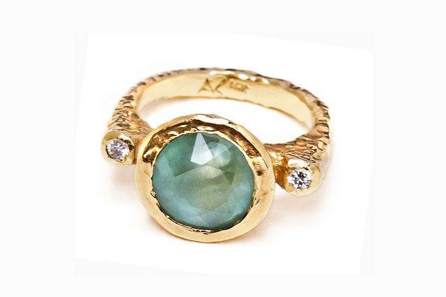 海蓝宝石钻石