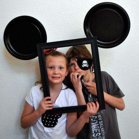 为任何庆祝活动制作这款快速简便的米老鼠照相亭!