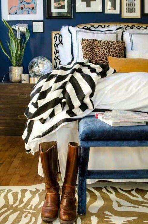 卧室混合模式迪斯科球海军油漆画廊墙