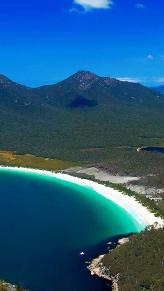 """...第二部分或世界最佳海滩(第二部分)的第二部分或第50部分汇编:11)菲律宾爱妮岛照片:fineartamerica.com爱妮岛被称为菲律宾的""""最后的荒野""""。白色沙滩和turqouise"""
