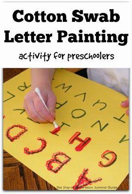 教孩子写字母和数字并不总是需要铅笔或其他书写工具。我们使用油漆和画笔作为学习写作的有趣替代方案!即使是我的第二个孩子,他对尝试学习活动有点耐心,也对这个活动感兴趣,因为它涉及绘画 - 她......