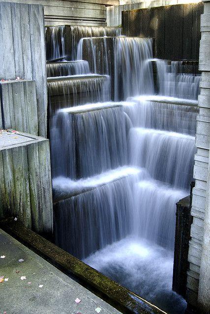 Freeway Park in Seattle - urban cascades