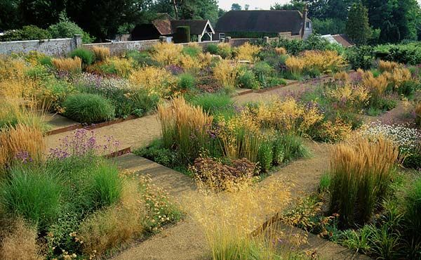 A great example of how soft planting style can work in linear beds.
