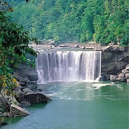 坎伯兰瀑布......一年一度的假期,,,公路旅行和我和汤姆1959年12月31日度蜜月的地点