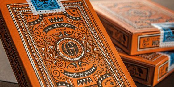 我们爱上了这一套Theory11卡,由Hatch Design说明。动物王国扑克牌是与世界野生动物基金会合作推出的特别版纸牌。每张购买甲板1.00美元将捐赠给世界野生动物基金会以获益