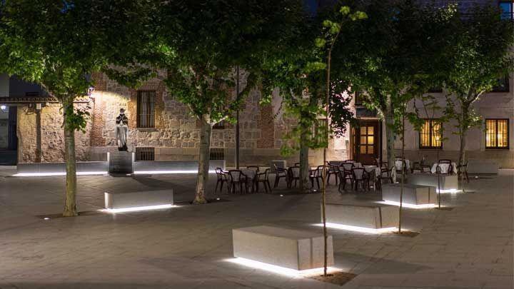 新的夜景,西班牙阿维拉市的照明总体规划。由@missdesignsays#CityPeopleLightAward2015发现