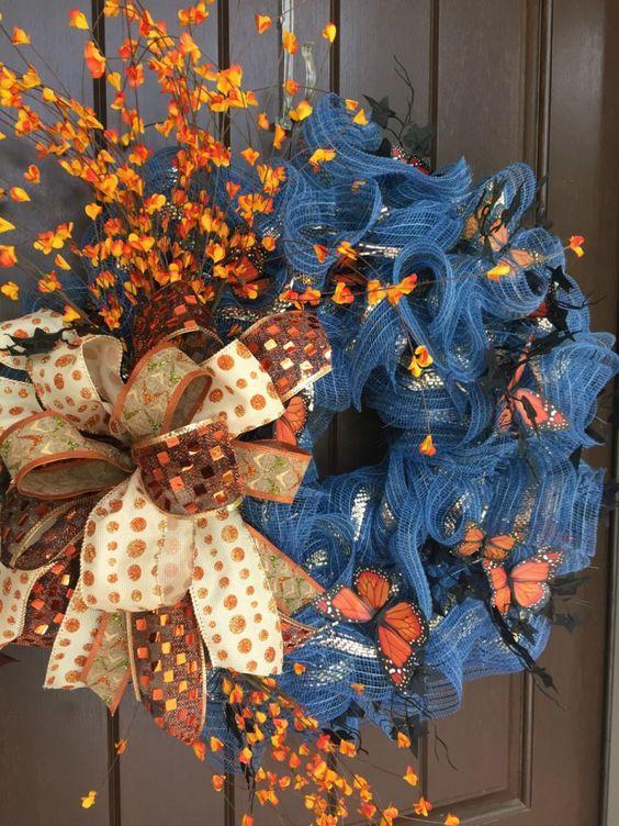 新秋花圈教程!这些RAZ蝴蝶喷雾真的增添了一些美丽的橙色。用品:XX7504W4 24粗麻布铅笔花圈XB96610-27