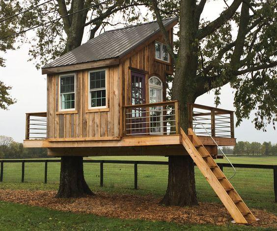 建立一个史诗般的树屋(几乎)所有你自己!我建立了约6个月的这个树屋配备了一堆电动工具,夹子(基本)和观看后......