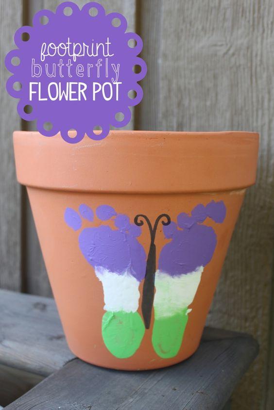 足迹蝴蝶花盆......一个可爱的儿童礼品。