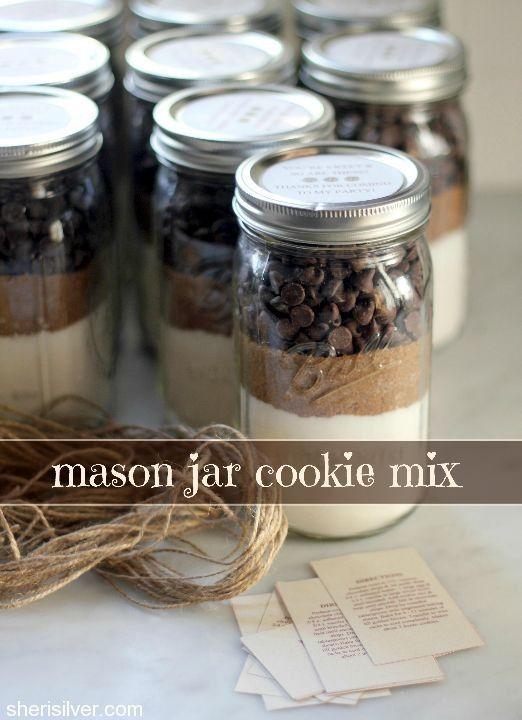 这种梅森罐子饼干混合物非常容易,是一个独特的礼物!