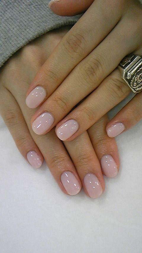 可爱的中性浅粉色修指甲。我喜欢这个!!!美甲设计,美甲,美甲沙龙,欧文,纽波特海滩