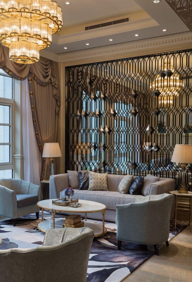 热情的设计师和奢侈品爱好者的室内设计理念。