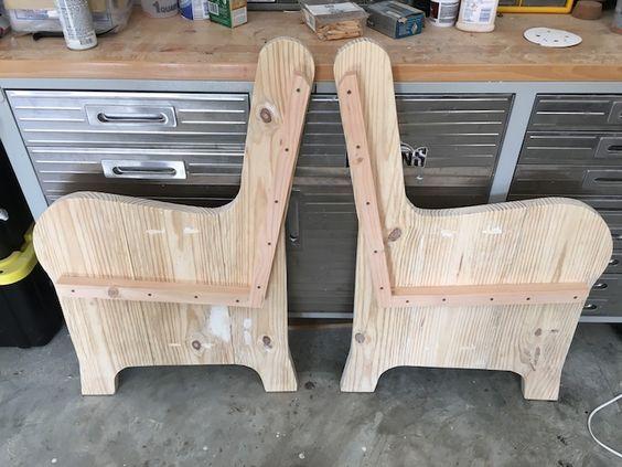 免费且简单的DIY计划向您展示如何以约75美元的价格建造一座教堂长凳。繁荣。