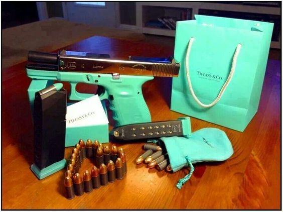 你想知道Tiffany Blue在哪里可以买到Kahr Arms PM9?请继续阅读,我会告诉你。