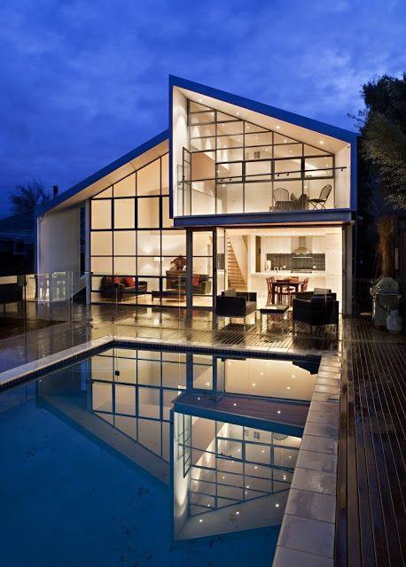 模糊的房子游泳池由Bild建筑学