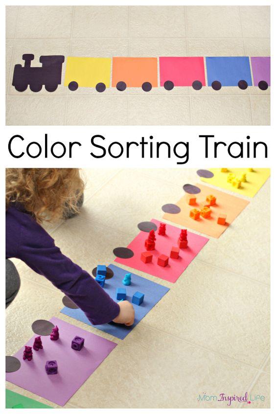 这种火车颜色分类活动是幼儿练习颜色识别和分类的有趣方式。我的蹒跚学步和学龄前儿童都喜欢它!