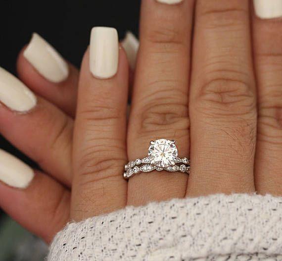 结婚戒指套装,Moissanite 14k白金订婚戒指,圆形8毫米Moissanite戒指,钻石锯状戒指,单石戒指,Promise戒指