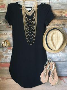 穿着黑色太阳外套连衣裙的乐趣非常舒适,合身,而且太棒了!一个伟大的基础,可以打扮或下来!尺码:小号:0-3中号:5-7号大号:9-11尺码标准,搭配修身款式。如果你不喜欢超合身的礼服,请将尺码设置为:) *这件衣服仍然合身。这不是一个松散/流畅的剪裁* #funinthesun #tunic #dress #black #fitted #stretchy #weloveit