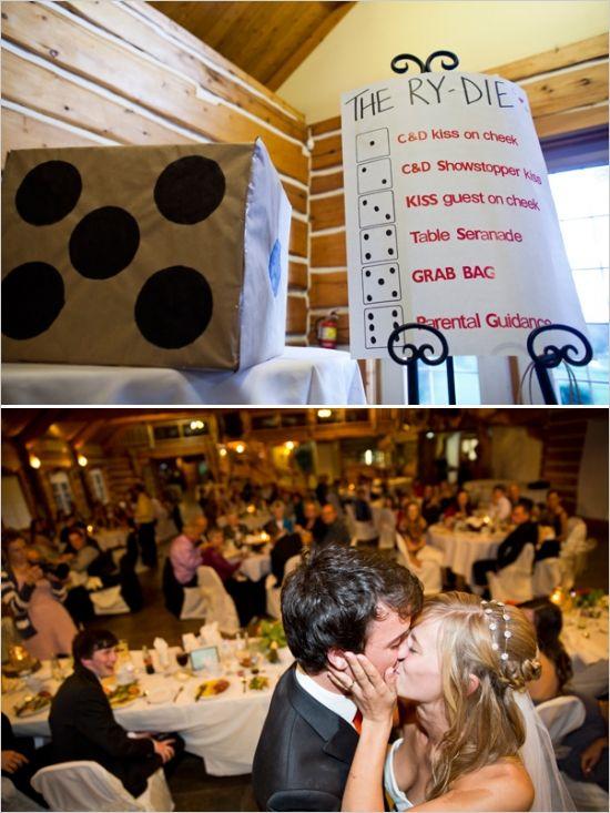 安大略省手工制作的婚礼与橙色和灰色的婚礼细节在Lanark Timber Run高尔夫球场。全部由Jono&Laynie拍摄