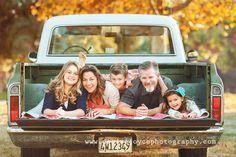 家庭照片姿势与3个孩子的想法,照片会议的想法