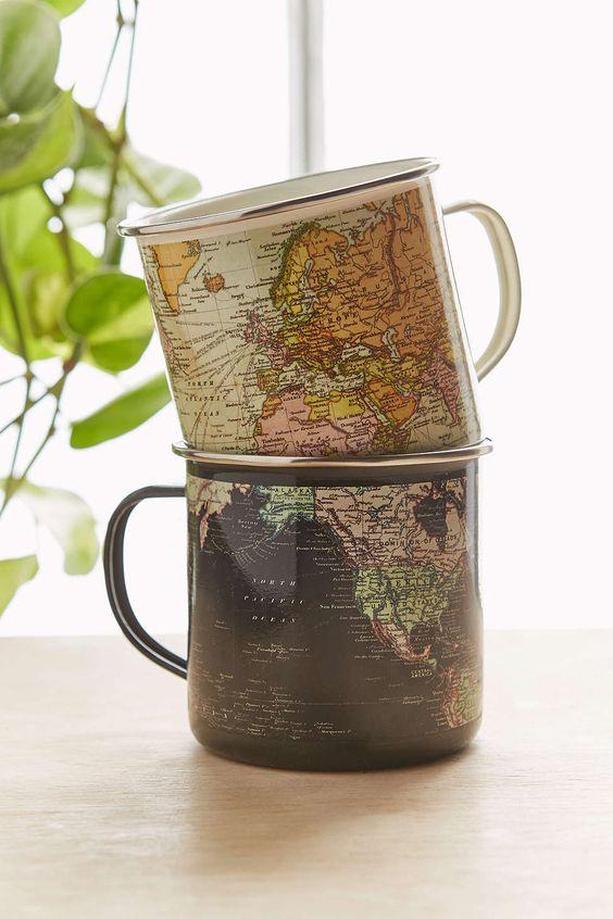 今天在Urban Outfitters店购买搪瓷地图杯。我们为您提供所有最新的款式,颜色和品牌,从这里选择。