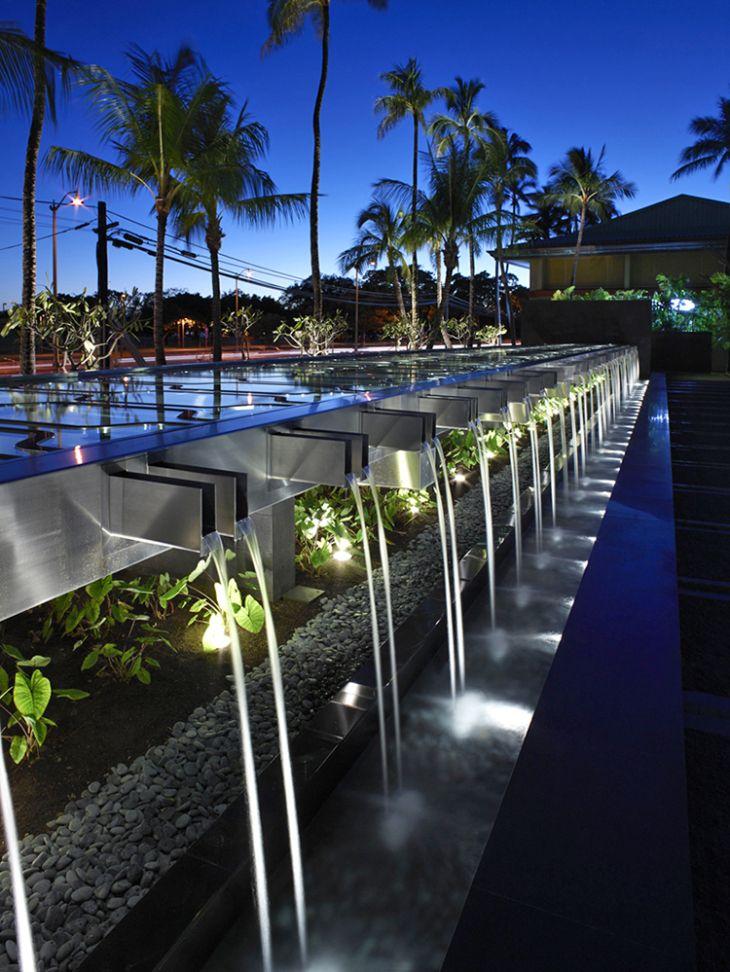 ART DIRECTOR'S CUT,4月26日|景观建筑杂志| Surfacedesign的IBM Honolulu Plaza,获得2015年ASLA通用设计荣誉奖。照片来源:Marion Brenner,附属ASLA。