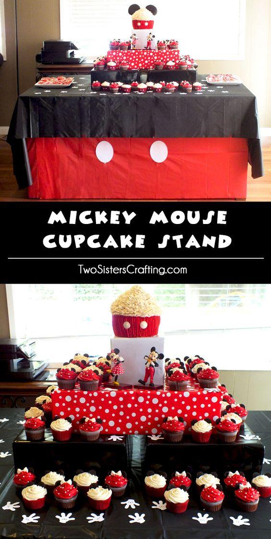 我们创建了一个米老鼠蛋糕摊,在米老鼠生日派对上展示您的米老鼠蛋糕和米妮蛋糕。