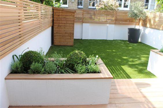伦敦南部的Balham伦敦公园附近的Fernside伦敦公园,Caroline Garland,伦敦花园设计师创造了一个低矮的维护花园,假草...