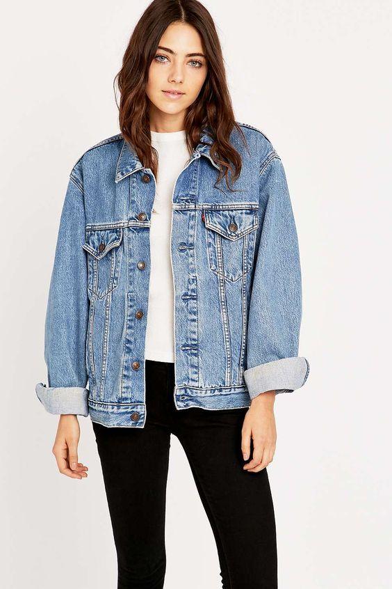 在Urban Outfitters上购买Urban Renewal Vintage Originals 90年代Levi's Blue Denim Jacket。我们为您提供所有最新的款式,颜色和品牌,从这里选择。