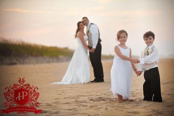 第二次婚礼通常涉及儿童。以下是让孩子们参与婚礼的一些鼓舞人心的方法。