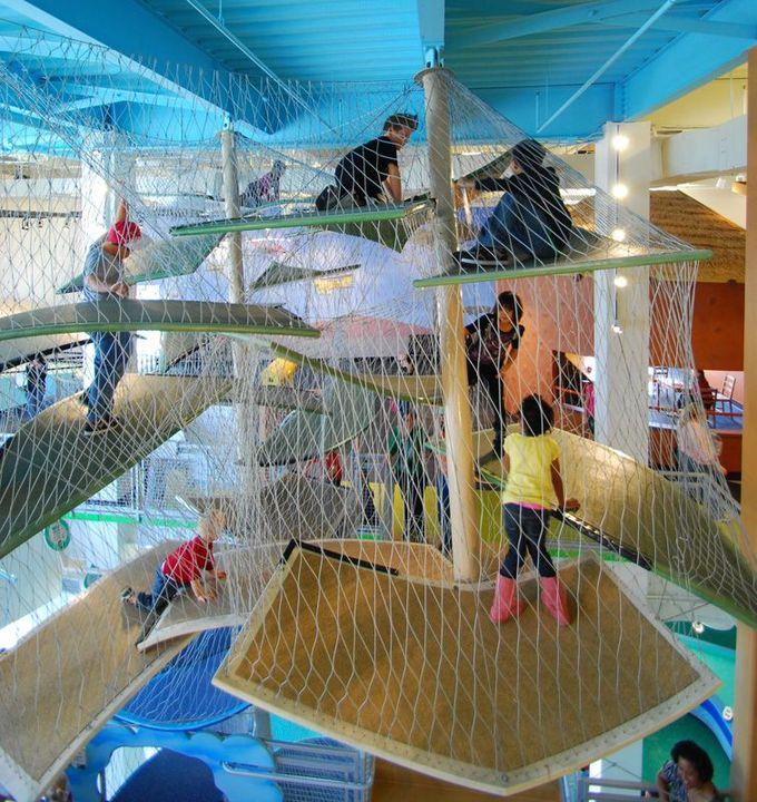 格雷泽儿童博物馆的幸运登山者。佛罗里达州坦帕市