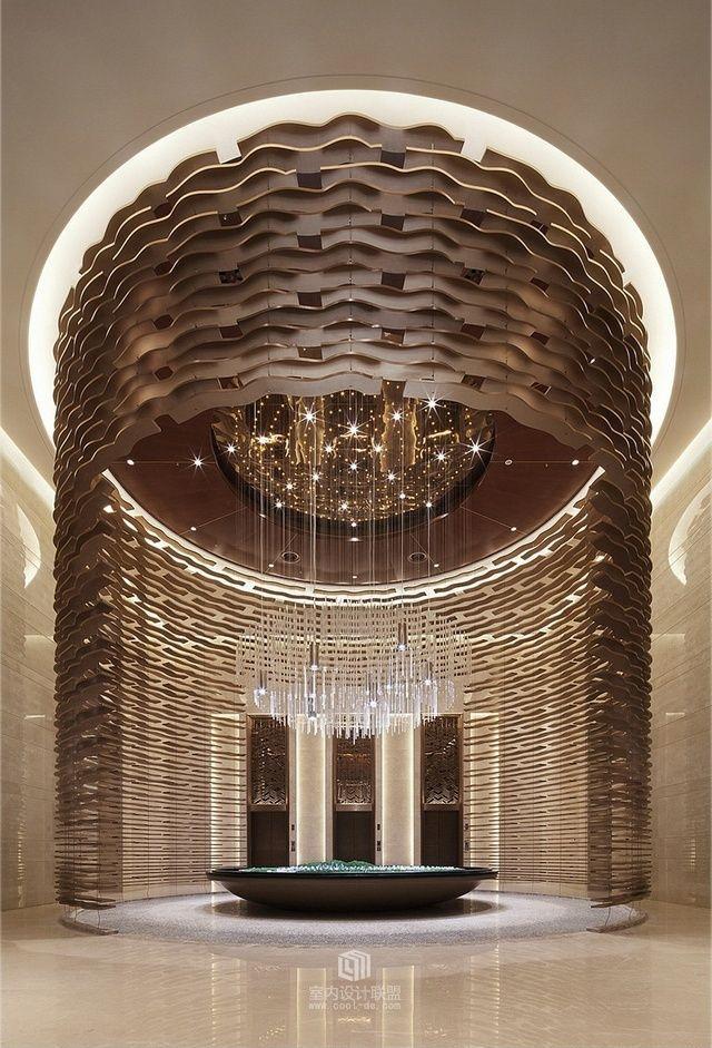 获得您正在进行的工作的灵感:一个新的酒店装饰项目!在luxxu.net上了解室内设计项目的最佳酒店大堂和接待照明灵感