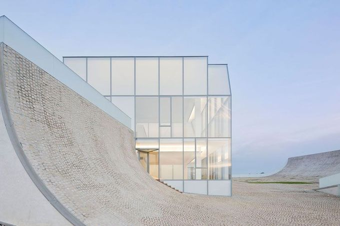 CITE DE L'OCEAN ET DU SURF  Biarritz, France, 2005-2011.    Steven Holl Architect