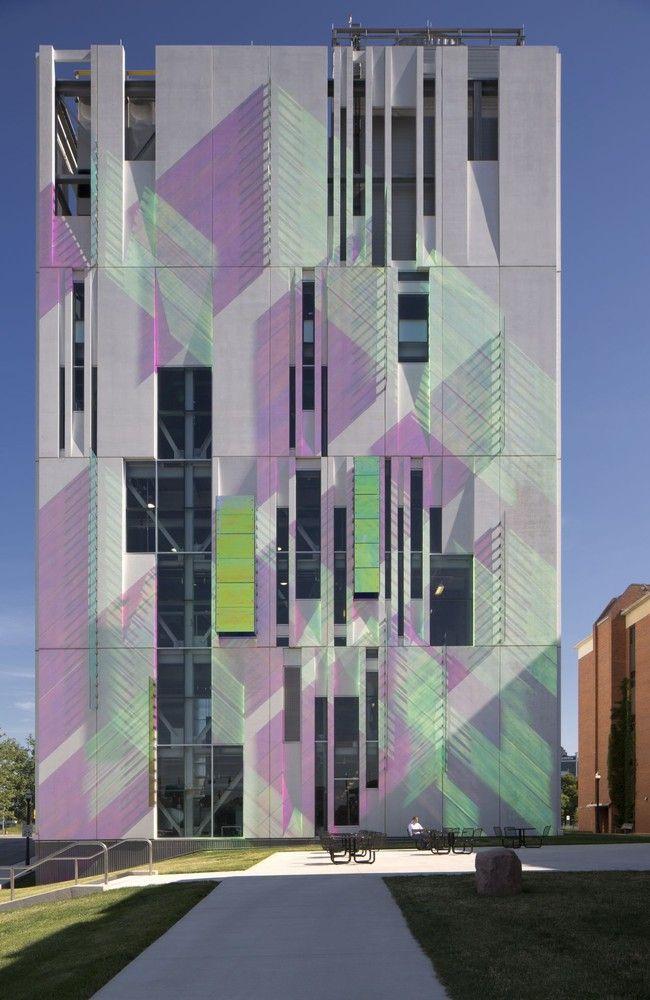 俄勒冈州立大学南校区冷水机组/ Ross Barney Architects©Brad Feinkopf