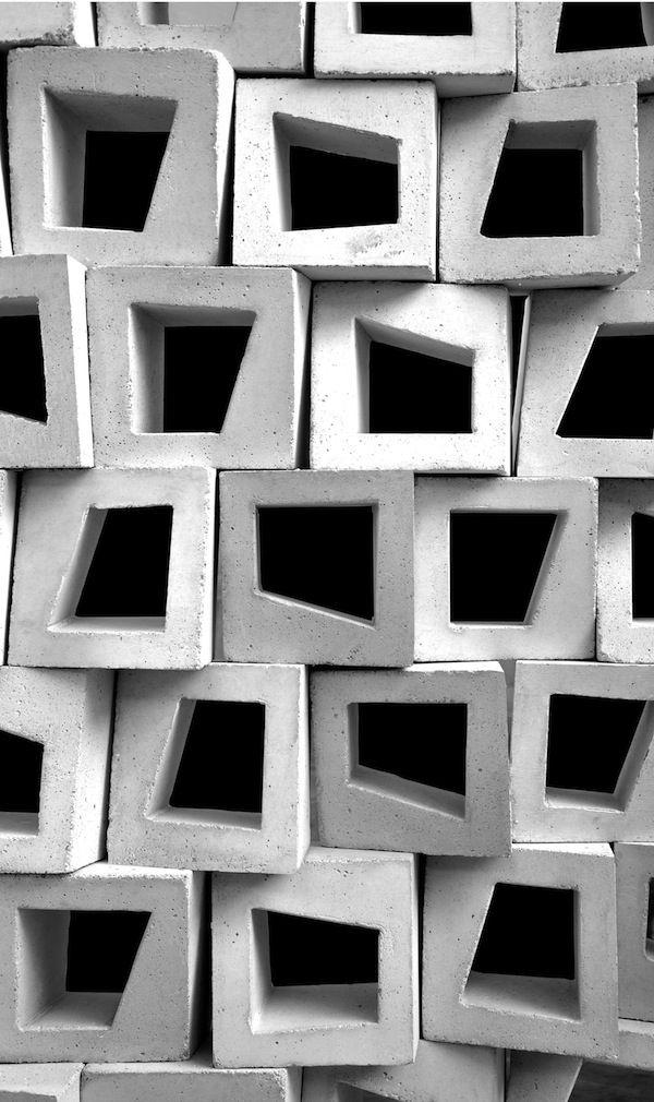 不对称的块。
