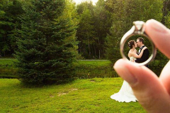 今天的真正的婚礼来自加拿大安大略省康提婚礼摄影的阿米尔!这就是阿米尔对婚礼所说的话:杰西卡和斯科特在安大略省渥太华附近的Beantown牧场举行了苏格兰婚礼。有一个美丽的户外仪式,接着是一个接待和第一个私人舞蹈...继续阅读→