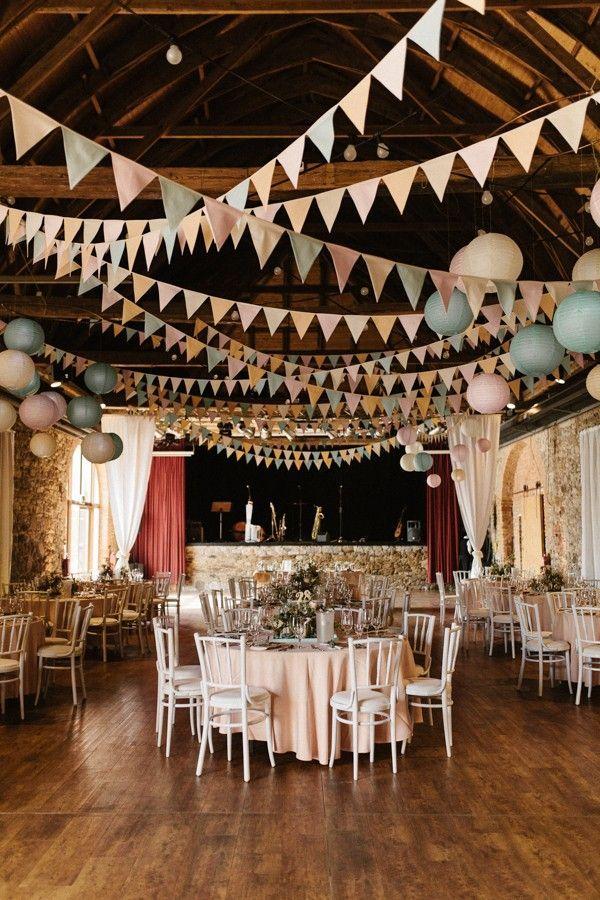 浪漫复古风格马戏团婚礼 图片来自:junebug weddings