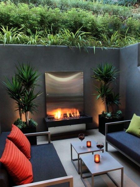 Amazing Modern Outdoor Fireplaces