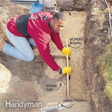 混凝土挡土墙是控制侵蚀,消除难以割草的坡度,添加种植床或平整理想露台区域的完美解决方案。这些系统易于安装,耐用,价格合理,并且有多种颜色和纹理可供选择。本文向您介绍如何在周末安装一个。