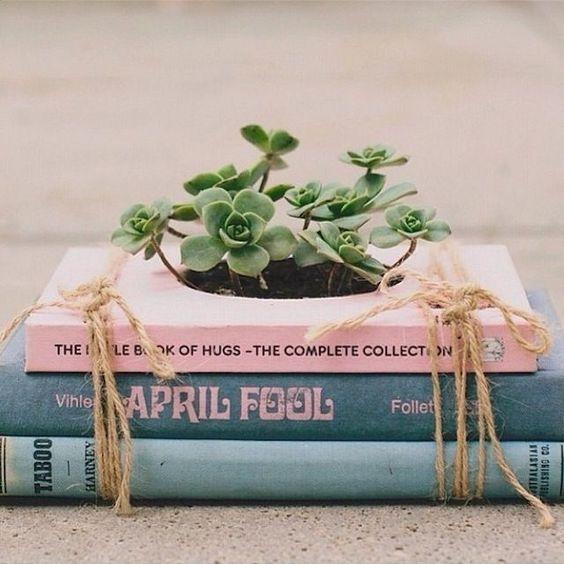 """成长中的书 - """"成长的书""""这个术语可能会让人想起几件事情。然而,在这种情况下,它指的是一种新颖的播种机(双关语)"""